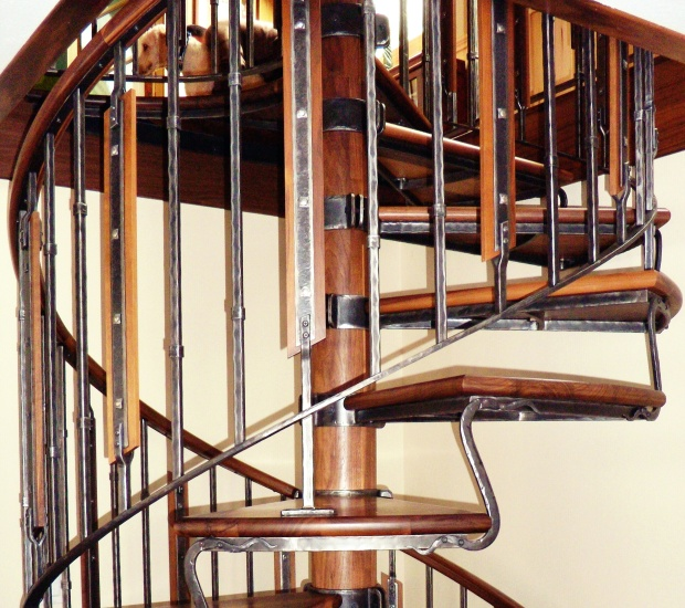 rampe d 39 escalier cheval de feu. Black Bedroom Furniture Sets. Home Design Ideas